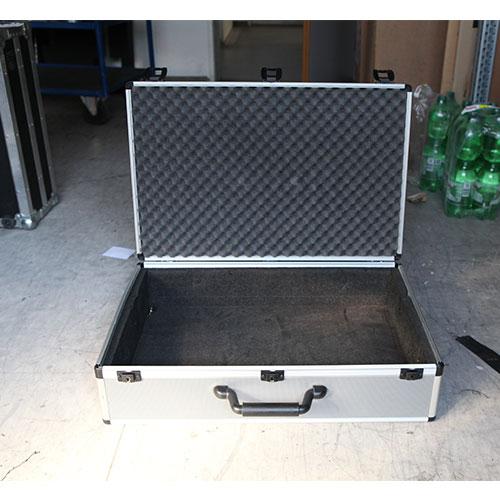 Transportkoffer-mit-Schlüssel Movie Tech